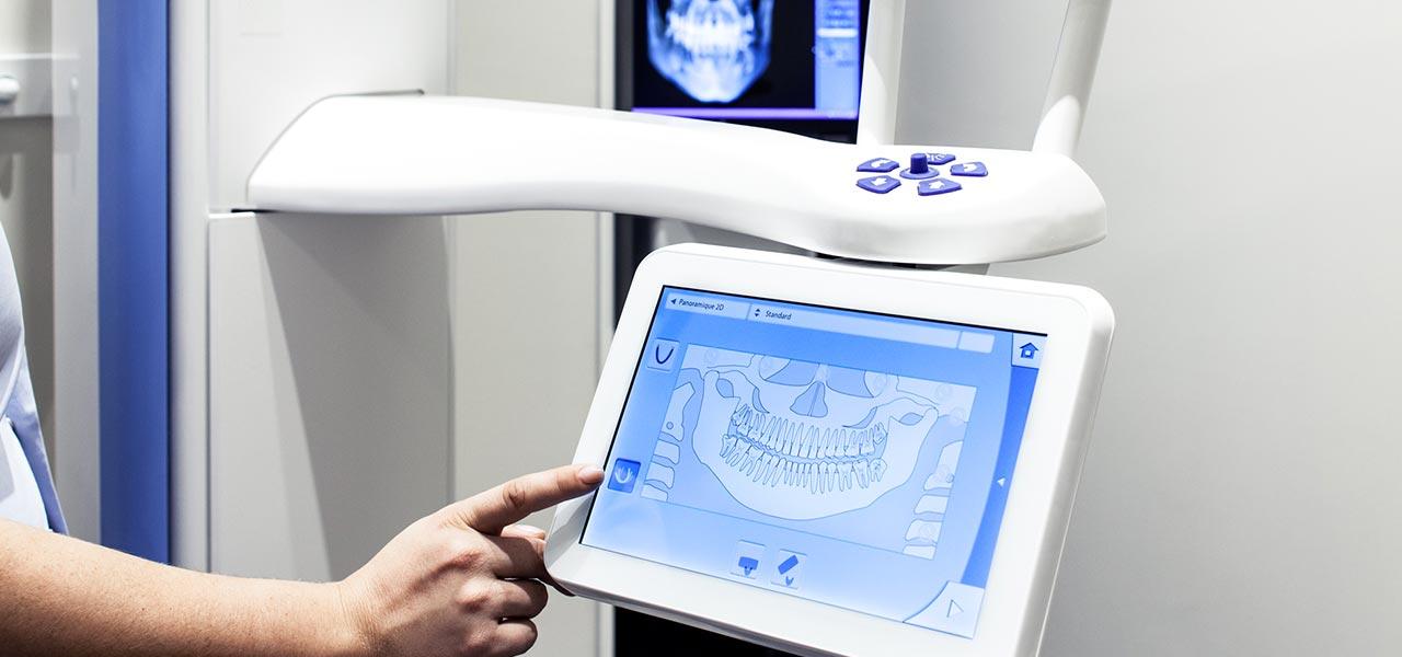 Photo de l'équipement de la clinique dentaire Denteeth - Stérilisateur